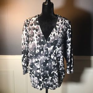 East 5th Woman Floral cartigan in Black/white🖤